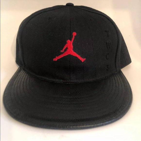 028bc651dd9 Jordan Other - Jordan Fitted Jumpman Hat Black   Red 7 ...